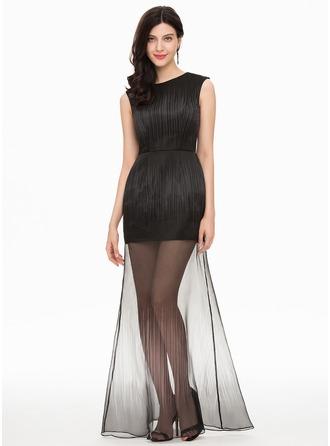 A-Line/Princess Scoop Neck Floor-Length Tulle Prom Dresses