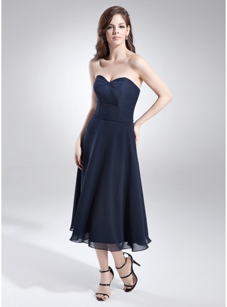 A-Line/Princess Sweetheart Tea-Length Chiffon Homecoming Dress With Beading