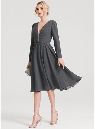 Vestidos princesa/ Formato A Decote V Coquetel Tecido de seda Vestido de cocktail com Pregueado Beading