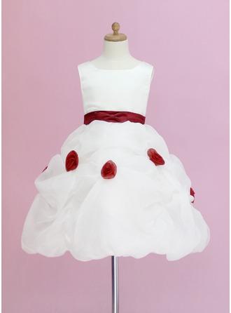 Corte de baile Hasta la rodilla Vestidos de Niña Florista - Organdí/Satén Sin mangas Escote redondo con Volantes/Fajas/Flores/La Recogida Falda