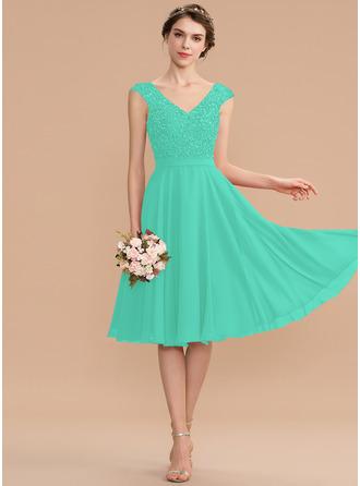 A-Line V-neck Knee-Length Chiffon Lace Homecoming Dress With Beading