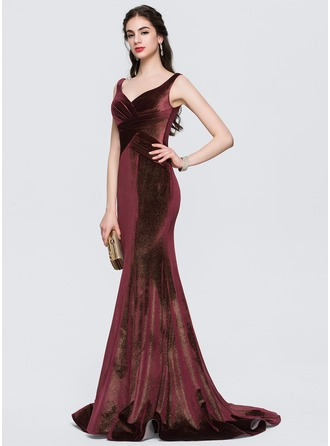Trumpet/Mermaid V-neck Sweep Train Velvet Prom Dresses With Ruffle