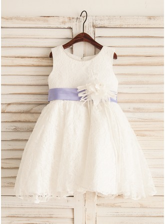 A-Line/Princess Knee-length Flower Girl Dress - Lace Sleeveless Scoop Neck With Sash/Bow(s)
