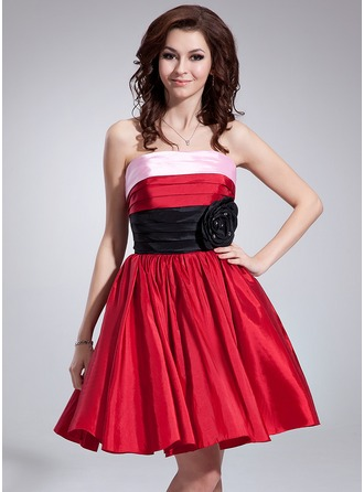 A-Line/Princess Strapless Knee-Length Taffeta Holiday Dress With Ruffle Beading