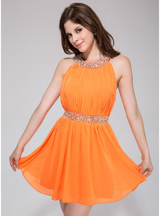 A-Line/Princess Scoop Neck Short/Mini Chiffon Homecoming Dress With Ruffle Beading
