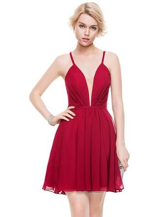 A-Line/Princess V-neck Short/Mini Chiffon Homecoming Dress With Ruffle