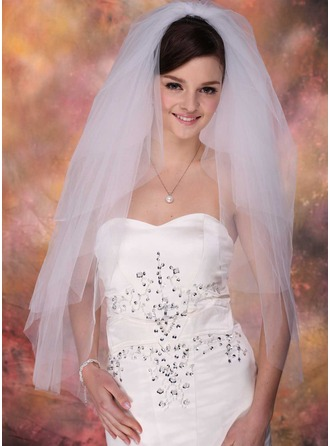 4 couches Voile de mariée longueur bout des doigts avec Bord de coupe