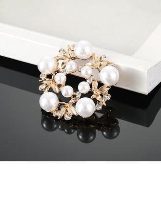 En forma de flor Aleación Diamantes de imitación La perla de faux con Perlas de imitación Señoras' Broches de la manera (Sold in a single piece)