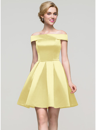 A-Line Off-the-Shoulder Short/Mini Satin Homecoming Dress