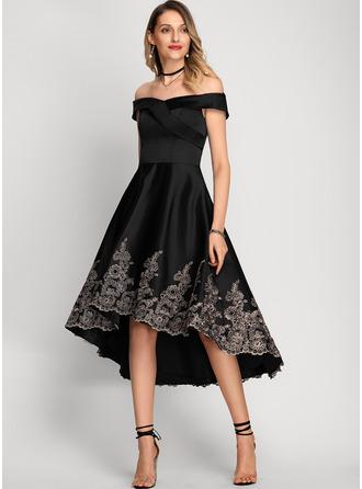 Трапеция Выкл-в-плечо асимметричный Атлас Коктейльные Платье с Кружева