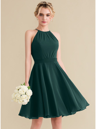 A-Line Scoop Neck Knee-Length Chiffon Homecoming Dress With Ruffle Bow(s)