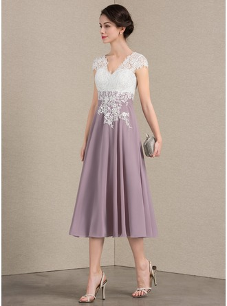 A-Line/Princess V-neck Tea-Length Chiffon Lace Cocktail Dress