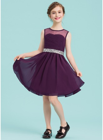 A-Line/Princess Scoop Neck Knee-Length Chiffon Junior Bridesmaid Dress With Ruffle Beading