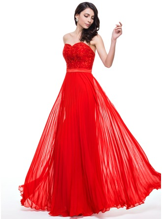 A-Line/Princess Sweetheart Floor-Length Chiffon Lace Prom Dress With Pleated
