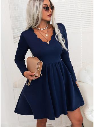 Pevný Do tvaru A Dlouhé rukávy Mini Elegantní Skaterové Módní šaty