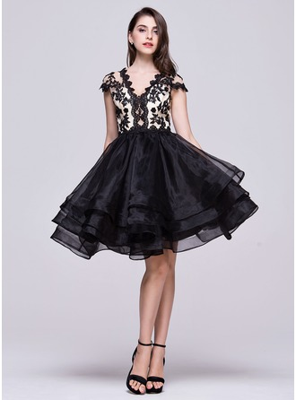 A-Line/Princess V-neck Knee-Length Organza Homecoming Dress With Beading Appliques Lace Sequins