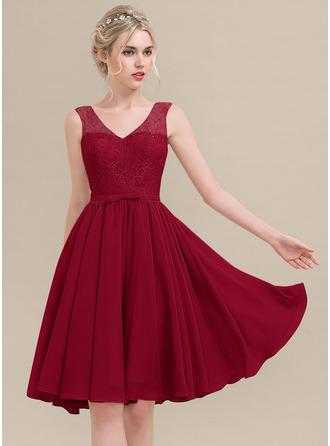 A-Line/Princess V-neck Knee-Length Chiffon Lace Bridesmaid Dress With Bow(s)