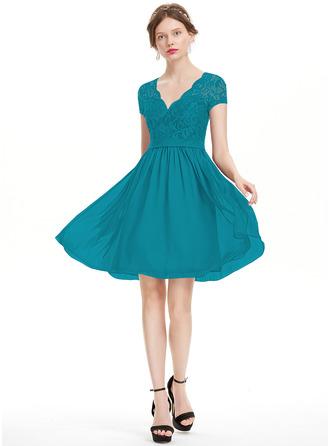 A-Line V-neck Knee-Length Chiffon Homecoming Dress
