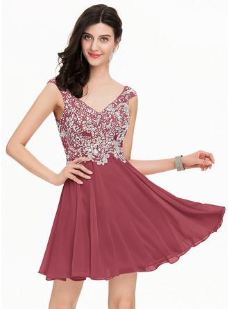 A-Line/Princess V-neck Short/Mini Chiffon Homecoming Dress With Beading