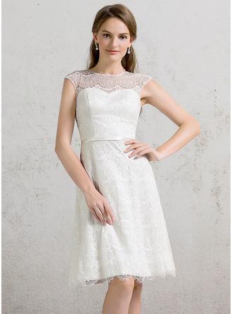 A-Line/Princess Scoop Neck Knee-Length Lace Wedding Dress