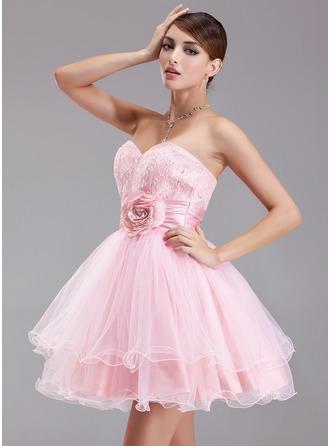 A-formet/Prinsesse Sweetheart Kort/Mini Taft Tyll Blonder Ballkjole med Frynse Perlebesydd Blomst(er) Paljetter