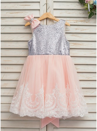 A-Line/Princess Knee-length Flower Girl Dress - Tulle/Lace/Sequined Sleeveless Scoop Neck With V Back