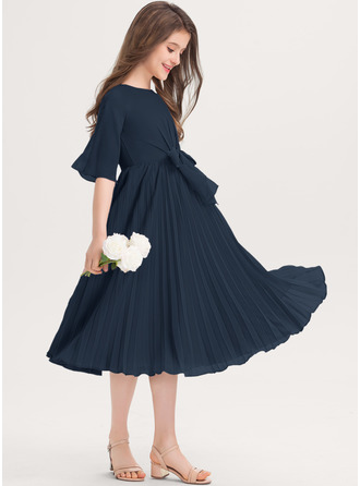 A-Line Scoop Neck Knee-Length Chiffon Junior Bridesmaid Dress With Bow(s) Pleated