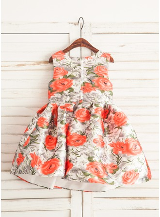 A-Line/Princess Knee-length Flower Girl Dress - Satin Sleeveless Scoop Neck