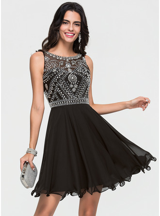 A-Line/Princess Scoop Neck Short/Mini Chiffon Homecoming Dress With Beading