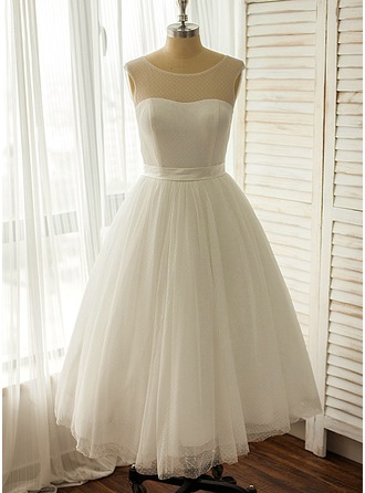 A-Line/Princess Scoop Neck Tea-Length Tulle Wedding Dress