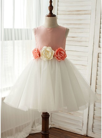 A-Line/Princess Knee-length Flower Girl Dress - Taffeta/Tulle Sleeveless Scoop Neck With Flower(s)