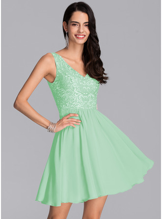 A-Line V-neck Short/Mini Chiffon Homecoming Dress With Sequins