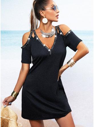 Couleur Unie Perlée Fourreau Manches Courtes Mini Petites Robes Noires Décontractée Robes tendance