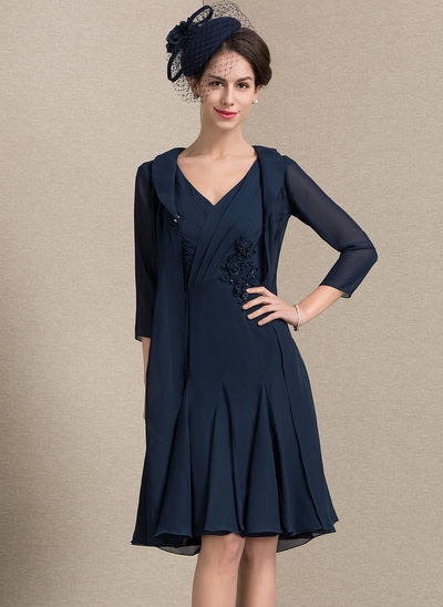A-Line/Princess V-neck Knee-Length Chiffon Mother of the Bride Dress With Ruffle Beading Flower(s)