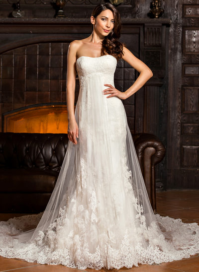 Sheath/Column Sweetheart Chapel Train Tulle Lace Wedding Dress With Ruffle