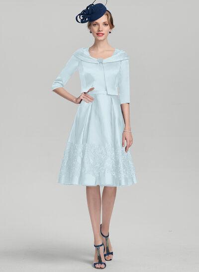 Vestidos princesa/ Formato A Decote quadrado Coquetel Cetim Vestido para a mãe da noiva com Apliques de Renda