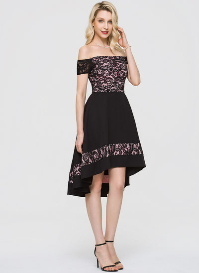 A-linje Off-shoulder Asymmetrisk Stræk Crepe Homecoming Kjole