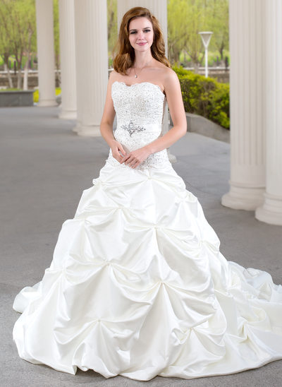 Ball-Gown Sweetheart Chapel Train Satin Wedding Dress With Ruffle Lace Beading