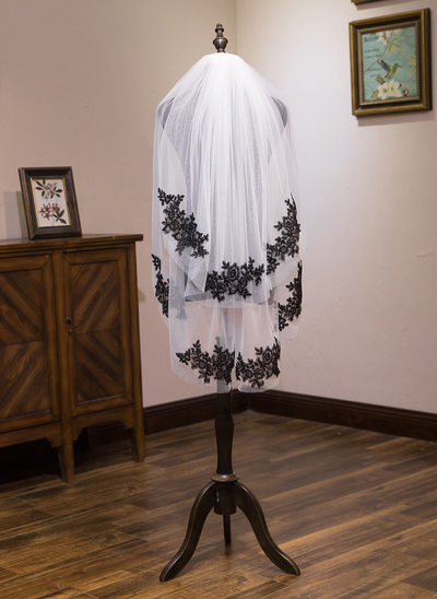 Two-tier Shoulder Veils With Lace
