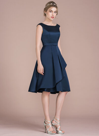 A-Line/Princess Scoop Neck Knee-Length Satin Homecoming Dress With Cascading Ruffles
