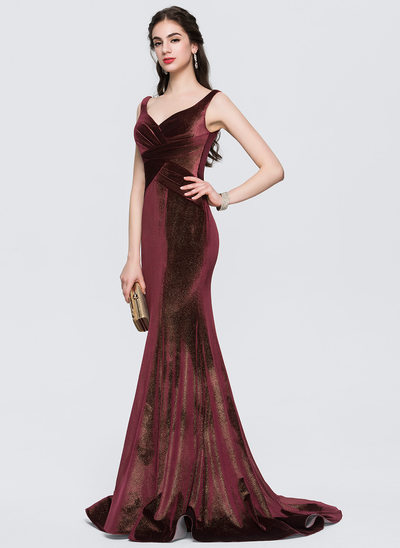 Trumpet/Mermaid V-neck Sweep Train Velvet Prom Dress With Ruffle