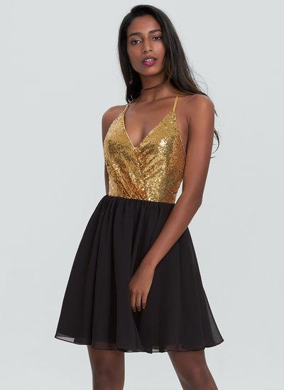 A-Line/Princess V-neck Short/Mini Chiffon Homecoming Dress