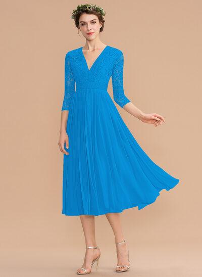 Corte A Decote V Comprimento médio Tecido de seda Renda Vestido de madrinha com Plissada