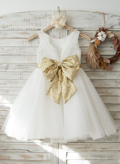 A-Line/Princess Knee-length Flower Girl Dress - Tulle/Lace/Sequined Sleeveless Scoop Neck With Bow(s)/V Back