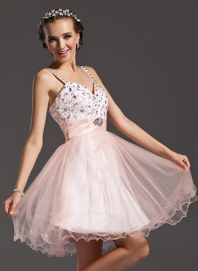 A-Line/Princess Sweetheart Knee-Length Tulle Homecoming Dress With Ruffle Beading