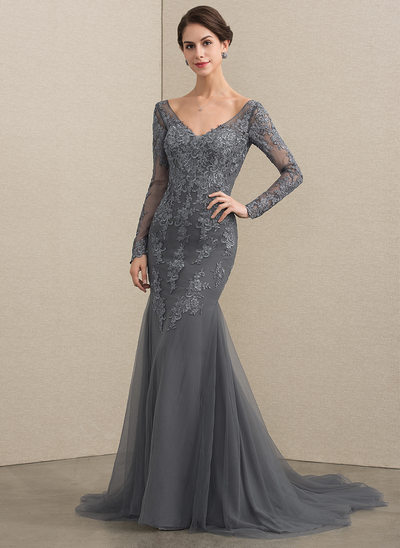 Trumpet/Mermaid V-neck Court Train Tulle Lace Mother of the Bride Dress