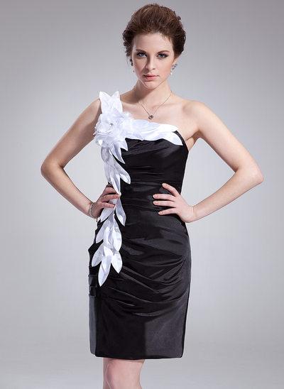 Etui-Linie One-Shoulder-Träger Knielang Charmeuse Cocktailkleid mit Rüschen Schleifenbänder/Stoffgürtel Blumen