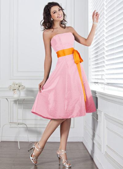 Corte A Sem Alças Coquetel Tafetá Vestido de madrinha com Cintos Curvado