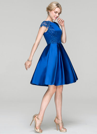 Princesový Kruhový výstřih Po kolena Satén Koktejlové šaty