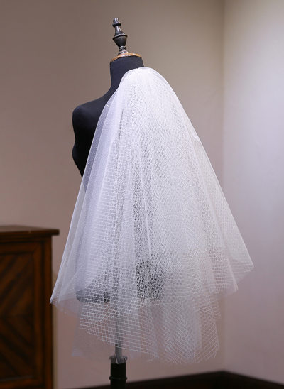 Two-tier Cut Edge Elbow Bridal Veils With Lace